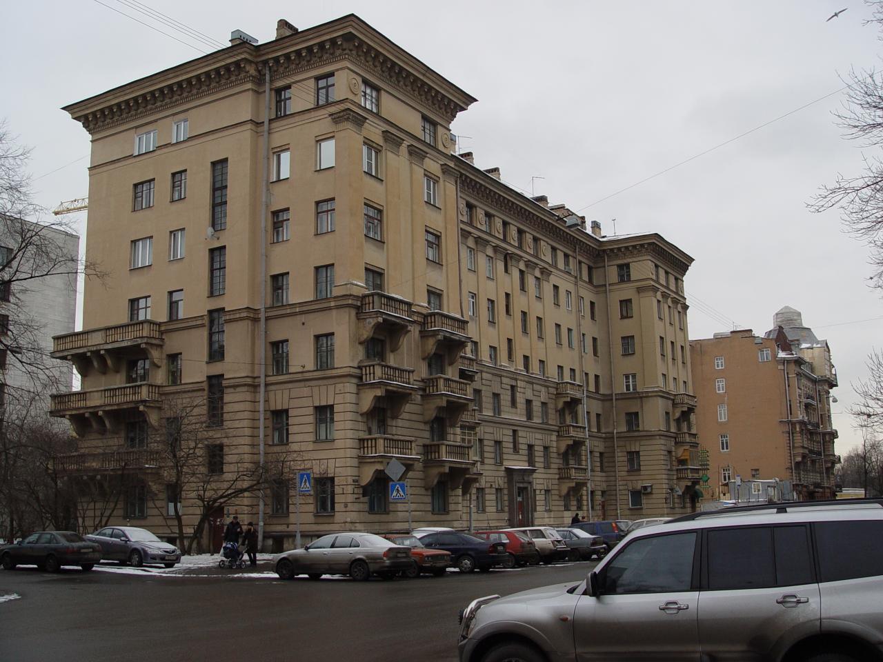 Сталинский дом