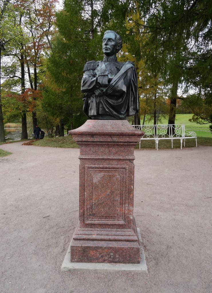 Детский памятник из гранита 9 Выборгская заказать памятник пермь алчевск